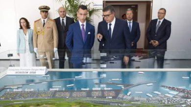 صورة الامير مولاي الحسن يمثل ملك المغرب في تدشين طنجة ميدII ليصبح المغرب أكبر قوة مينائية في المتوسط وإفريقيا